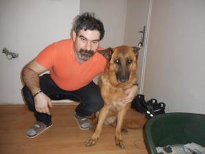 Josef Kaplan s vodícím psem Karlíkem.